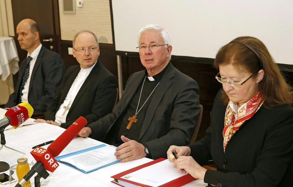 Erzbischof Franz Lackner (r.) wird in seiner Aufklärungsarbeit in der Diözese Gurk-Klagenfurt von Bischof Benno Elbs unterstützt.