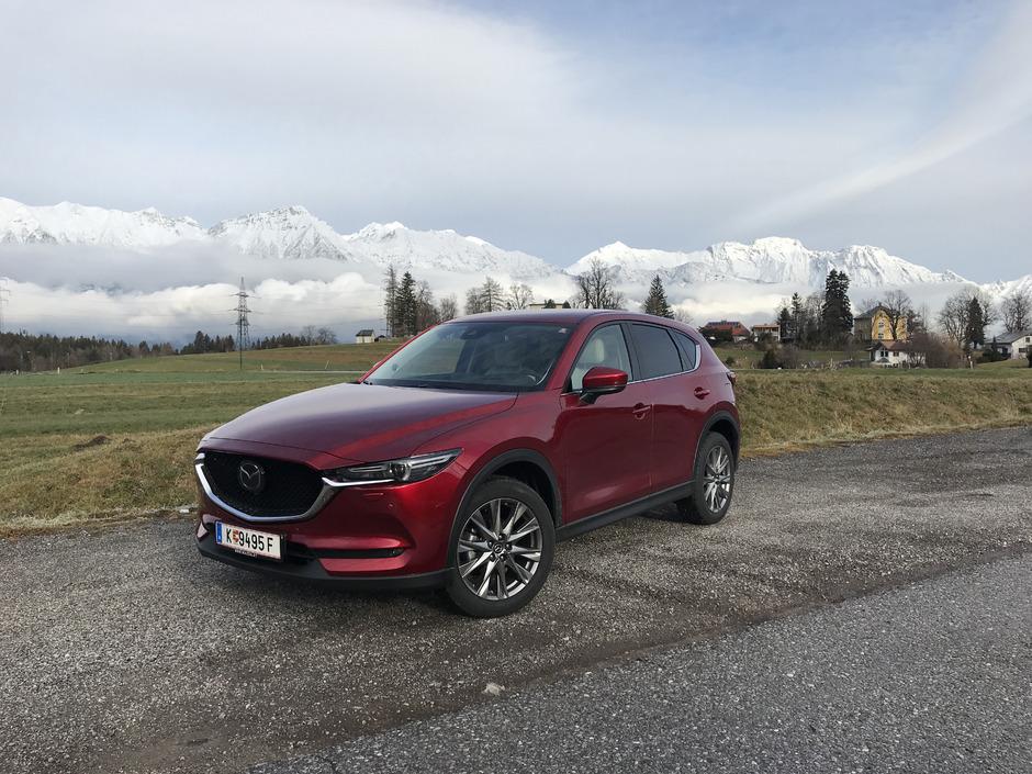 """Mazdas """"Kodo – Soul of Motion""""-Designsprache: Fließende, klare Linien und scharfe Kanten ergeben ein SUV von seltener Attraktivität."""