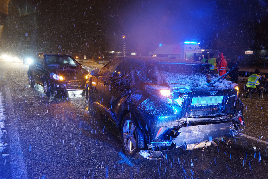In den Unfall waren drei Fahrzeuge verwickelt.