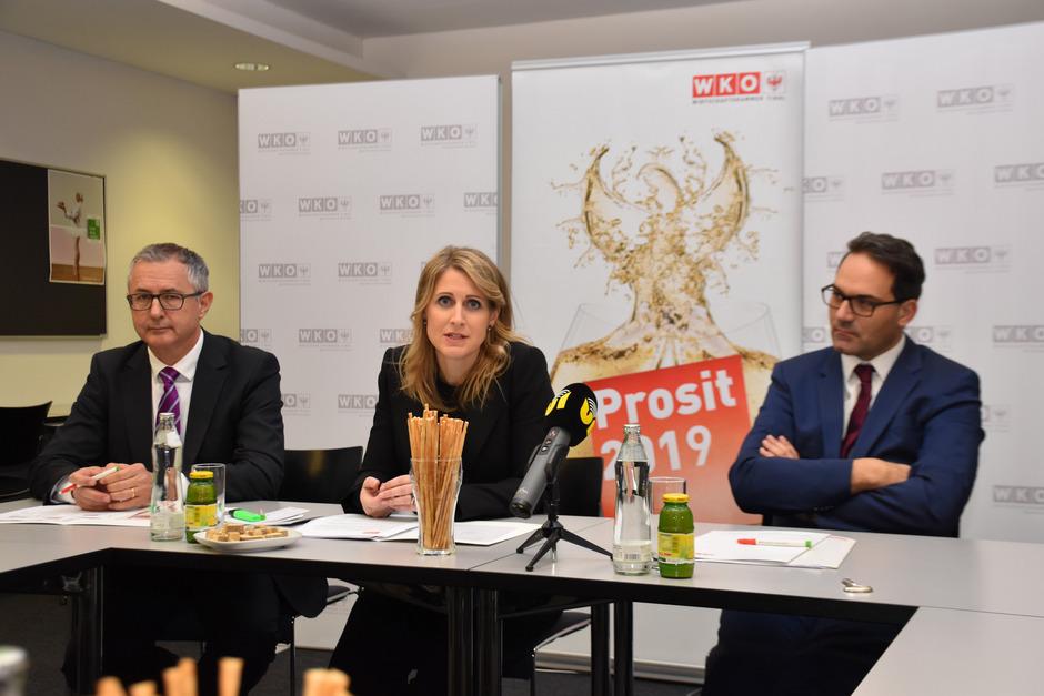 WK-Bezirksstellenleiter Stefan Bletzacher, Obfrau Martina Entner und WK-Chef Christoph Walser pochen auf eine gute Wirtschaftslage.