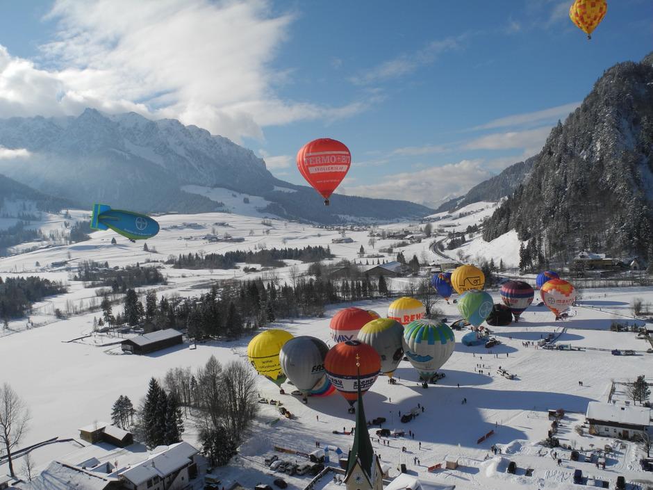 Wie viele Ballone heuer gleichzeitig am Himmel über dem Kaiserwinkl zu sehen sind, ist offen. Geplant sind nur Einzelstarts.