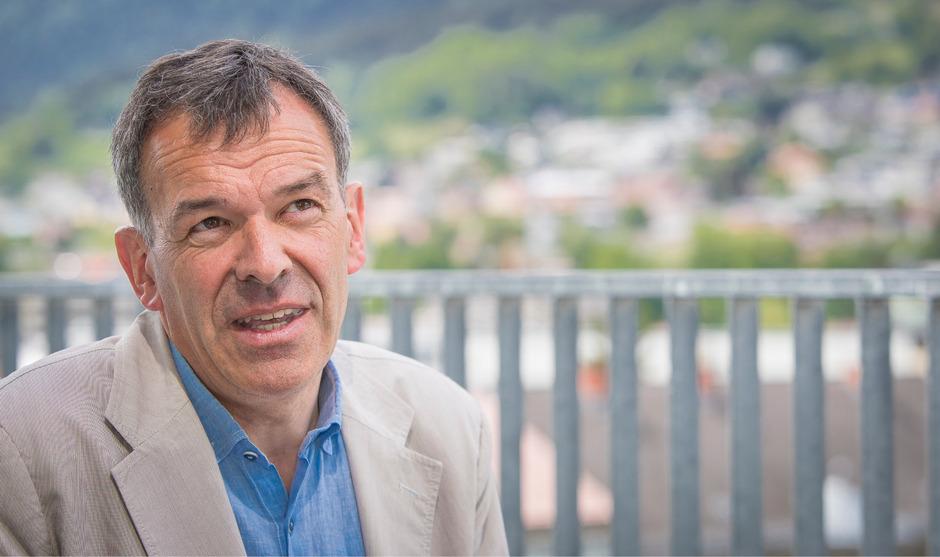 """""""Wir sollten unsere Auseinandersetzungen mit Worten austragen und nicht mit Waffen."""" Georg Willi (Bürgermeister Innsbruck)"""
