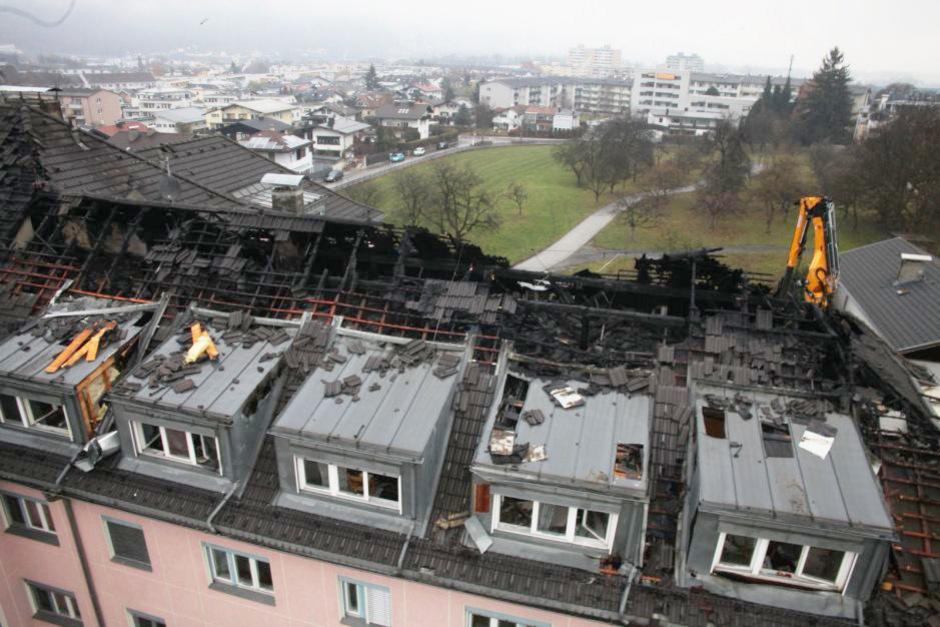 Nach dem großen Dachbrand wird das Altenheim bis zum Sommer abgerissen.