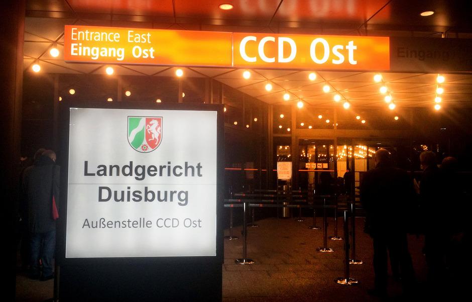 Der Prozess findet in Düsseldorf statt.