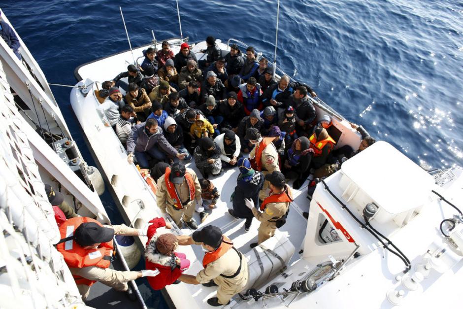 """Rettung aus dem Mittelmeer: Hilfsorganisationen wie """"Ärzte ohne Grenzen"""" reagierten auf ein Versagen der Politik, die viel zu lang weggeschaut hatte."""