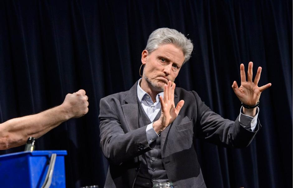 Ende Jänner präsentiert Florian Scheuba sein aktuelles Soloprogramm in Innsbruck.