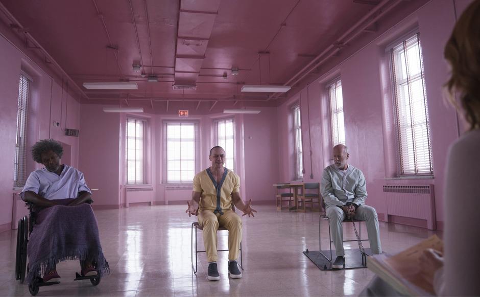 """Drei Übermenschen in der Anstalt: Samuel L. Jackson, James McAvoy und Bruce Willis in """"Glass""""."""