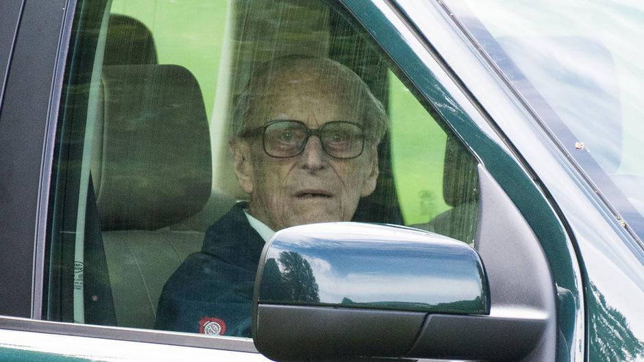 Trotz seines hohen Alters ist Prinz Philip ein eifriger Autofahrer.