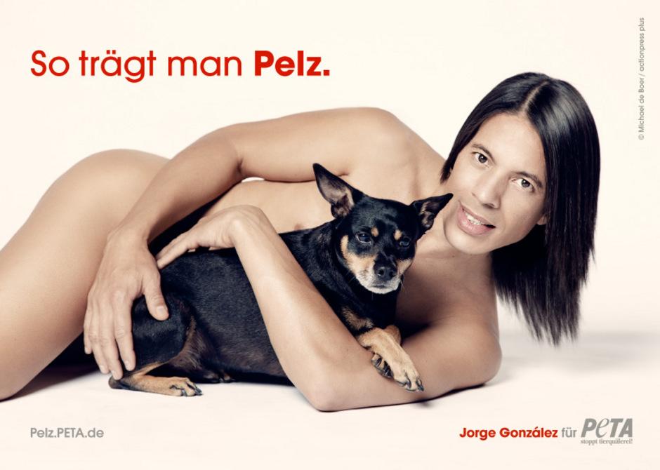 "TV-Juror Jorge González für PETA: ""So trägt man Pelz""."