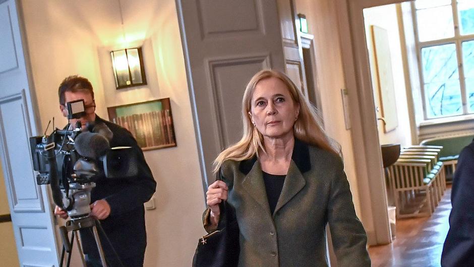 Katarina Frostenson erhält eine monatliche Entschädigung.