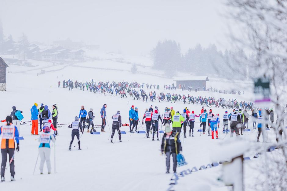 Teilnehmer aus 27 Nationen matchten sich gestern beim Classicrace rund um Obertilliach in der klassischen Technik. Heute sind die Skater gefordert.