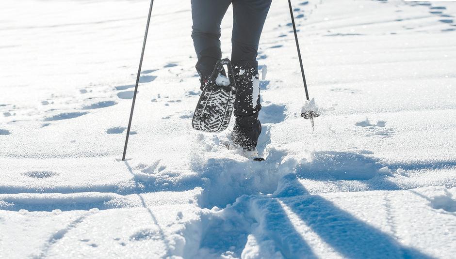 Schneeschuhwandern ist grundsätzlich leicht zu erlernen und im Vergleich zu anderen Sportarten recht erschwinglich.