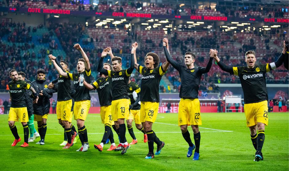 Borussia Dortmund bleibt auf Titelkurs.