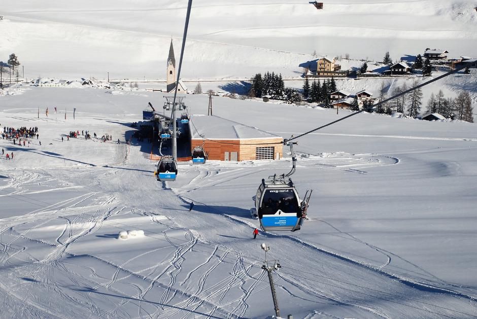 Auf der Kalser Seite der Skischaukel Kals-Matrei führt nur ein schmaler Skiweg hinunter bis zur Talstation. Der Weg soll einer Piste weichen, doch der Landesumweltanwalt sieht die Natur gefährdet.