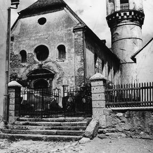 Die Kirche in desolatem Zustand.