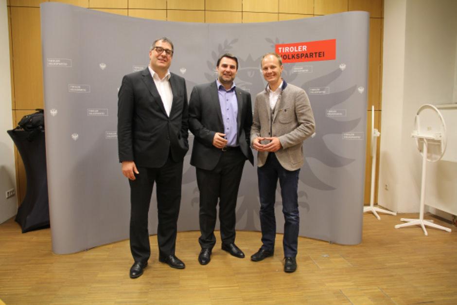 Demonstrative Einigkeit am Dienstagabend: Vize-BM Franz Gruber, Christoph Appler und Hannes Anzengruber (v.l.).