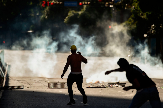 Bei den Unruhen und Protesten kamen binnen zwei Tagen 13 Menschen ums Leben.