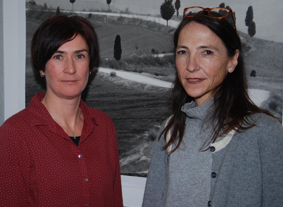 Gesundheitspsychologin Katrin Lechleitner (l.) und Suchtberaterin Anita Pale sind Ansprechpartner des Vereins BIN, Beratungsstelle Landeck.