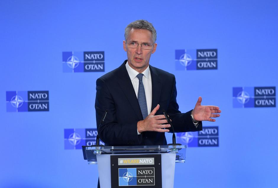 Stoltenberg nach dem NATO-Russland-Rat vor den Medien.