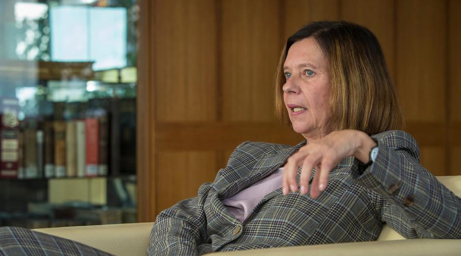 Die Zivilrichterin Elisabeth Lovrek wurde als allererste OGH-Hofrätin ohne Senatsvorsitz an die Spitze des Höchstgerichts berufen.