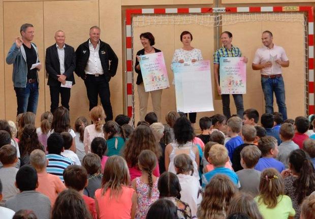"""Alle drei Imster Volksschulen beteiligen sich an dem Projekt """"Schulweg = Fußweg""""."""