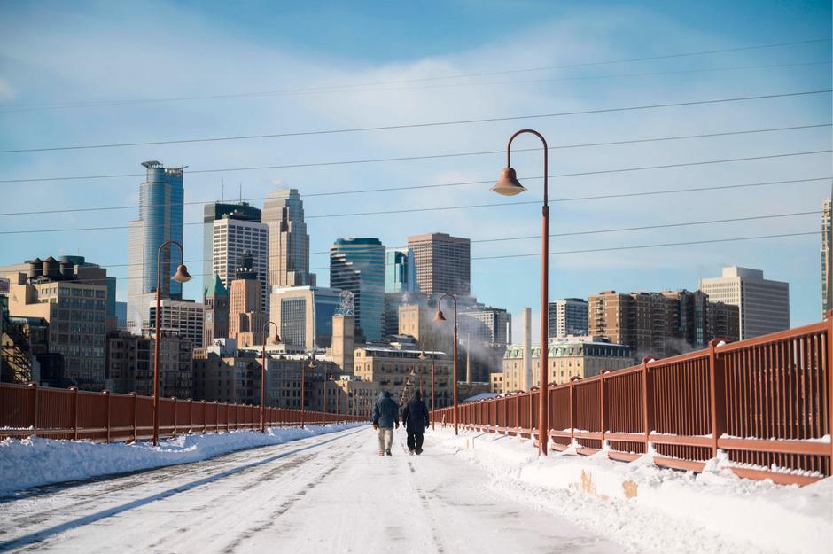 """Der Nationale Wetterdienst (NWS) der USA warnt vor """"lebensbedrohlichen, arktischen Winden"""" und gefühlten Temperaturen um die minus 45 Grad Celsius."""