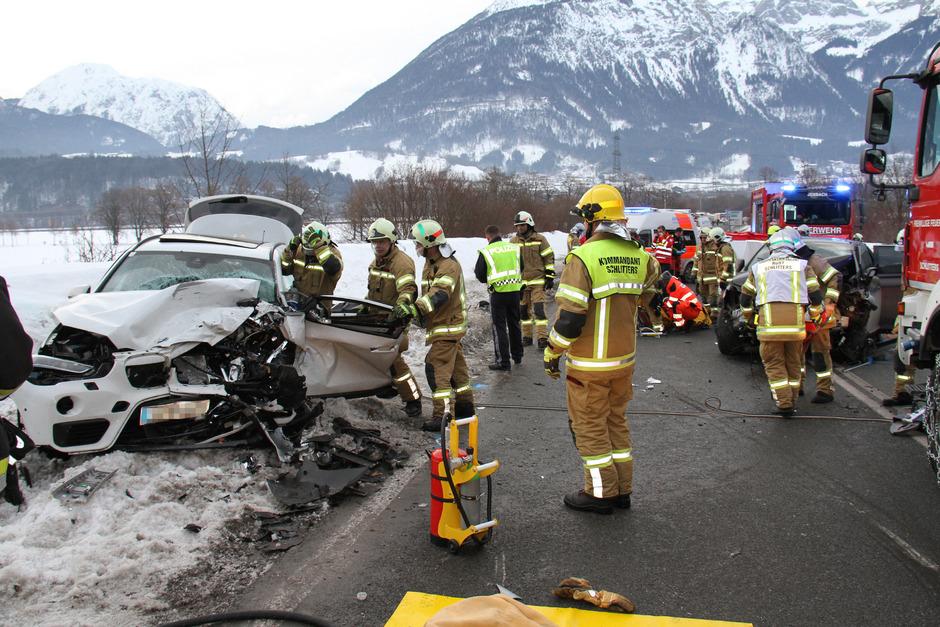 Nach dem schweren Unfall musste der Brettfalltunnel in beide Richtungen vorübergehend gesperrt werden.