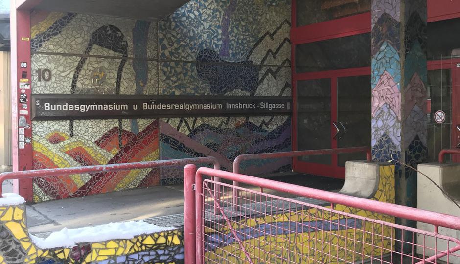 Der Abriss des Gymnasiums Sillgasse soll Mitte März beginnen. Für die Firmen ist der Abbruch eine technische und logistische Herausforderung.