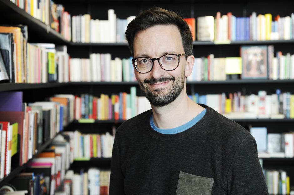 Der 1981 in Linz geborene David Fuchs legt zwischendurch den Arztmantel ab, um sich seiner schriftstellerischen Arbeit zu widmen.