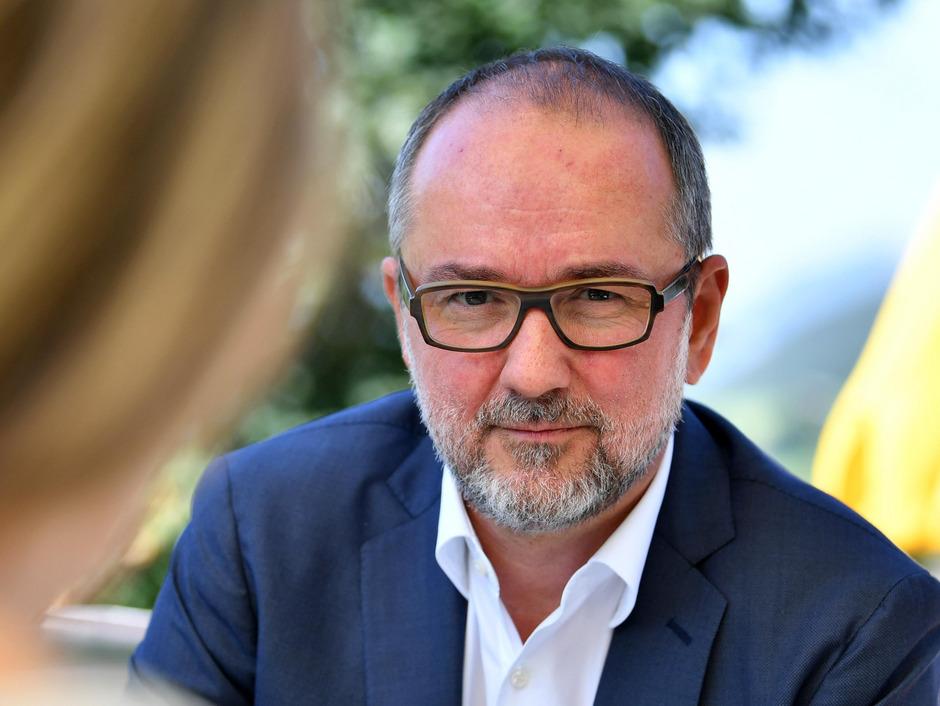 SPÖ-Parteimanager Drozda sieht in der neuen Parteivorsitzenden Pamela Rendi-Wagner ein positives Gegenmodell zu Schwarz-Blau.