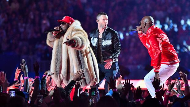 Maroon 5 gaben mit Rapper Travis Scott und Big Boi jeweils einen Song zum Besten.