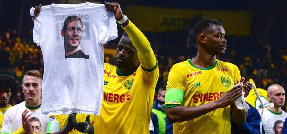 Die Spieler des FC Nantes gedachten am Wochenende ihrem ehemaligen Teamkollegen Emiliano Sala.