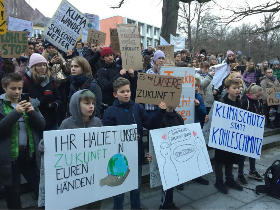 So viele Teilnehmer wünscht sich Anna Perktold auch - in Berlin gingen unlängst ebenfalls Kinder und Jugendliche auf die Straße.