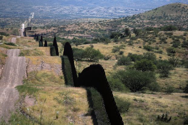 Die bestehende Grenze in Arizona.