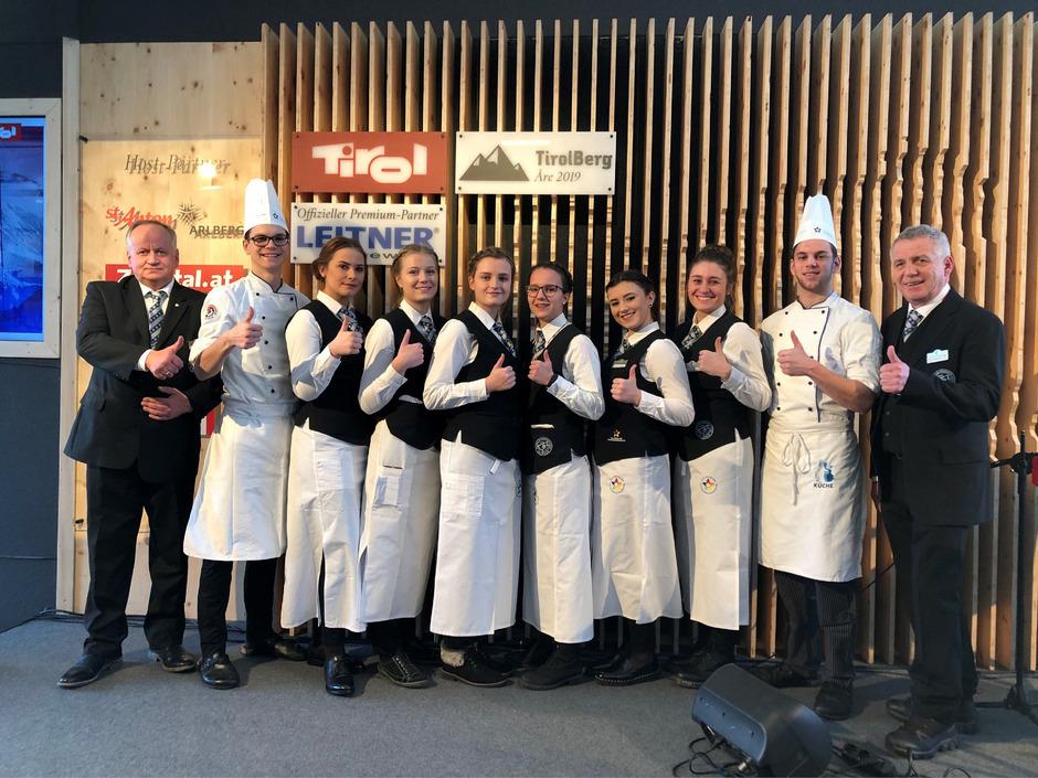 Die Schüler der Zillertaler Tourismusschule freuen sich über ihren Einsatz bei der Alpinen Ski-WM in Schweden.