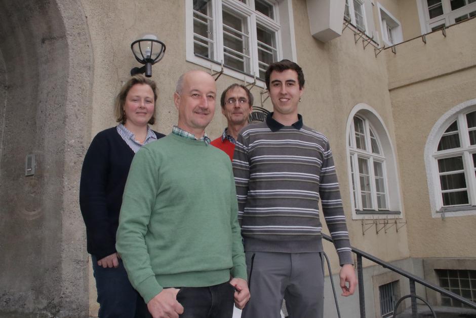 Elisabeth Haid (FS Fürstenburg in Burgeis) mit Karl Krug, Direktor-Stv. Paul Juen (LLA Imst) und Michael Krug (v.l.) suchten Lösungen.