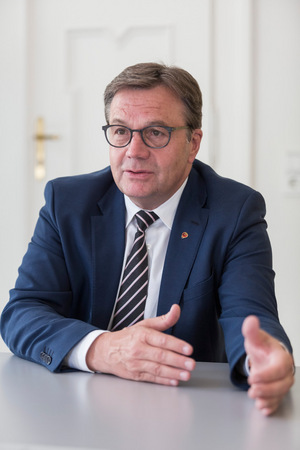 """Landeshauptmann Günther Platter: """"Dann muss erst recht die Gesundheit der Tiroler über den freien Warenverkehr gestellt werden."""""""