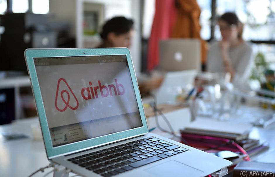 Die ungeregelte Vermietung von Zimmern und Wohnungen über Buchungsplattformen wie Airbnb bereitet der Politik immer mehr Probleme.
