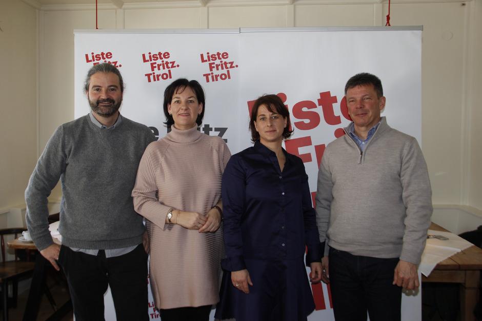 LA Markus Sint und LA Andrea Haselwanter-Schneider präsentierten das Bezirksteam mit Marielle Haidacher und Sepp Niedermoser.