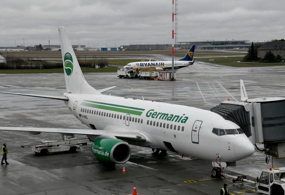 Die Berliner Airline mit fast 1700 Mitarbeitern hatte am Wochenbeginn einen Insolvenzantrag gestellt.