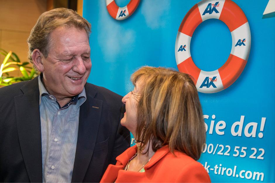 Lässt sich gratulieren: AK-Präsident Erwin Zangerl nach der Wahl.