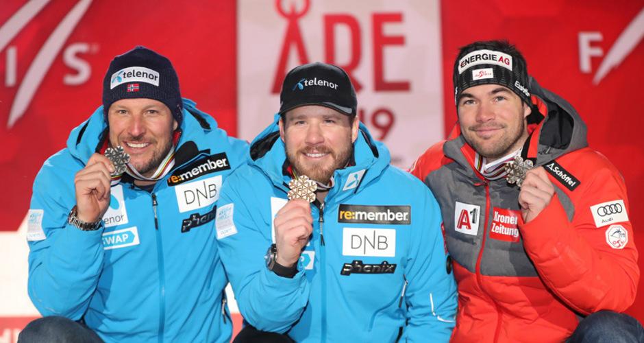Kjetil Jansrud gewann Gold in der WM-Abfahrt vor Landsmann Aksel Lund Svindal (+0,02) und dem Österreicher Vincent Kriechmayr (+0,33).