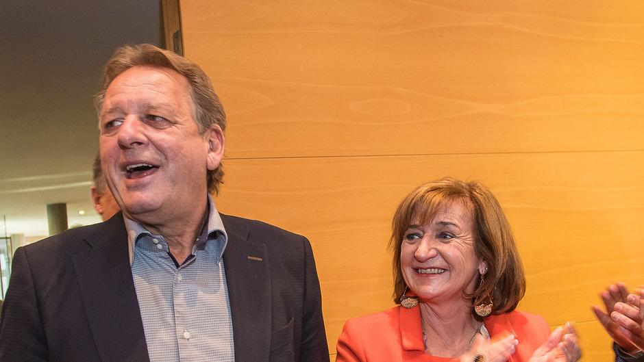 Nach Angriffen aus dem Wirtschaftsbund rücken hingegen die Tiroler VP-Arbeitnehmer mit Erwin Zangerl und Beate Palfrader noch enger zusammen.