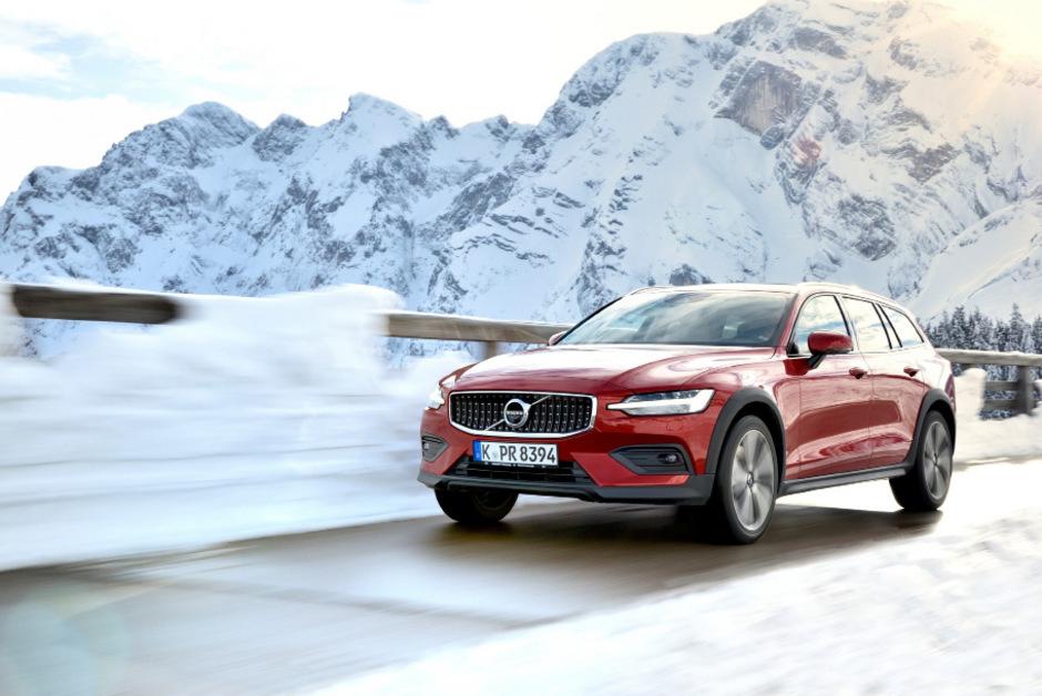 Vorerst liefert Volvo nur den 190 PS starken Diesel für den V60 Cross Country, etwas später folgt der 250-PS-Turbobenziner.