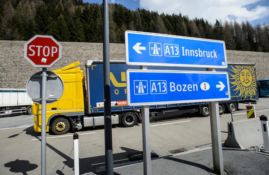 Der Brenner ist nicht der einzige Weg für den Transitverkehr nach Norden bzw. Süden, betont die AK.