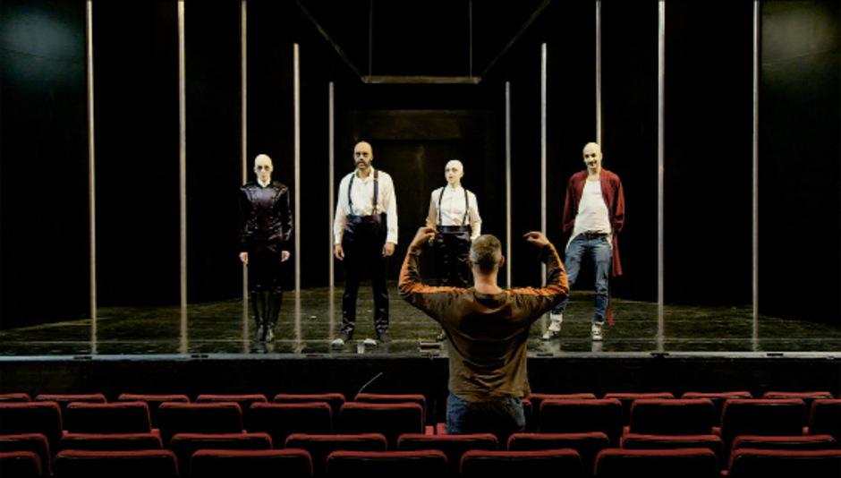 """Der Dokumentarfilmer Hans Andreas Guttner zeigt etwa auch das Vorsingen für das Stück """"Hotel Europa"""", das 2015 Premiere hatte.<span class=&quot;TT11_Fotohinweis&quot;>Foto: Polyfilm</span>"""