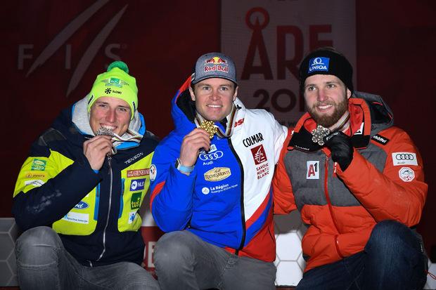 Die Top 3 nach der Siegerehrung (v.l.): Stefan Hadalin (Silber),  Alexis Pinturault (Gold) und Marco Schwarz (Bronze).