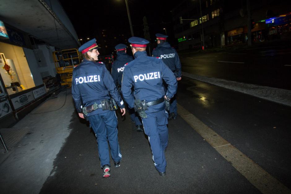 Viel Lob für die Arbeit der Polizei kommt von der Stadtpolitik. Kritik gibt es am Innenminister.