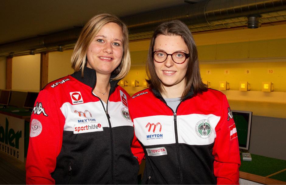 Das Tiroler Sportschützen-Duo Franziska Peer (l.) und Olivia Hofmann will beim Weltcup in Neu-Delhi (IND/ab 23.2.) ein Olympia-Ticket lösen.
