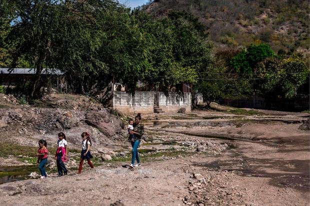 Nach Meinung vieler Einwohner von Badiraguato habe es durch Guzmán weniger Armut und Gewalt in ihrer Stadt gegeben.